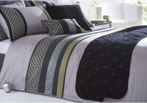 Дуэль МК: Спим под одним одеялом или каждый под своим?