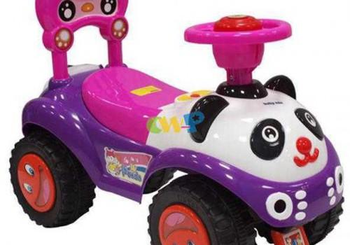Не вредно ли детям кататься на игрушечных машинках?
