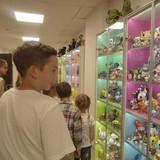 """А ещё посмотрели на огромную коллекцию игрушек продюсера """"Смешариков"""""""