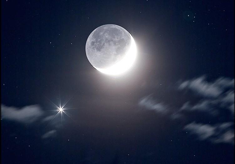 Почему в полнолуние у Луны видно человеческое лицо?