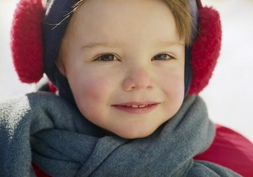 Несколько слоев одежды не гарантируют ребенку тепло