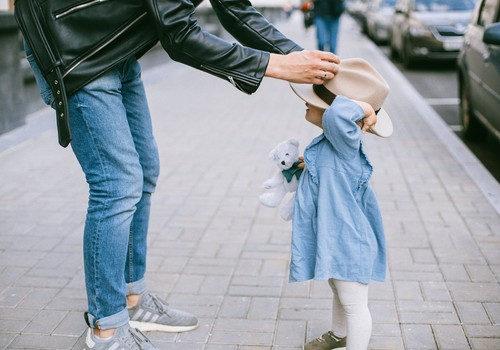 Ребенок не хочет одеваться - что делать?