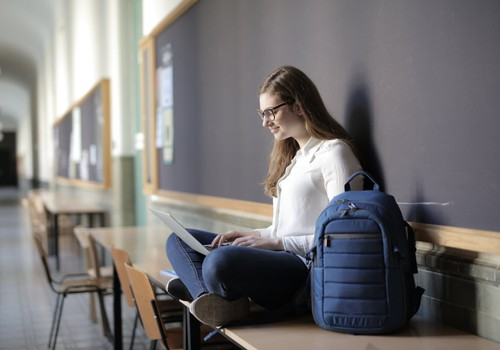 Минздрав предлагает ввести более строгие ограничения для школ