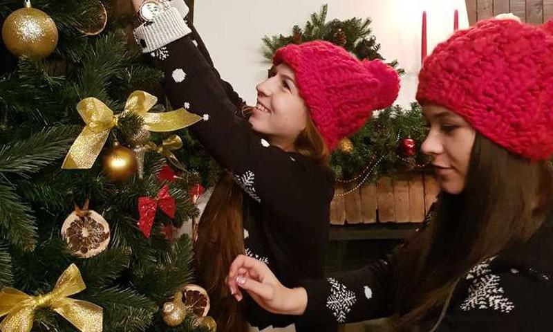 """КОНКУРС """"Расскажи о рождественских традициях вашей семьи и выиграй семейный билет на Супер-ёлку в Studio 69"""" - объявляем первого победителя!"""