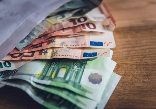 Кому, как и в какие сроки начислят пособие 500 евро