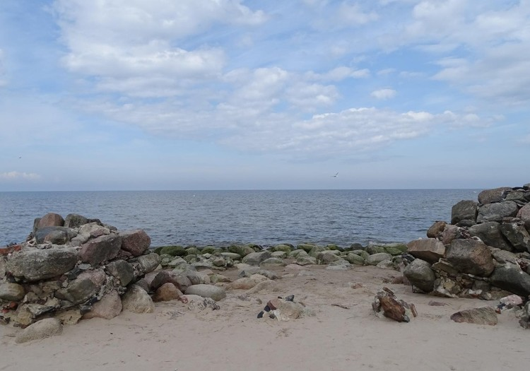 По берегу моря: Мерсрагс и Колка
