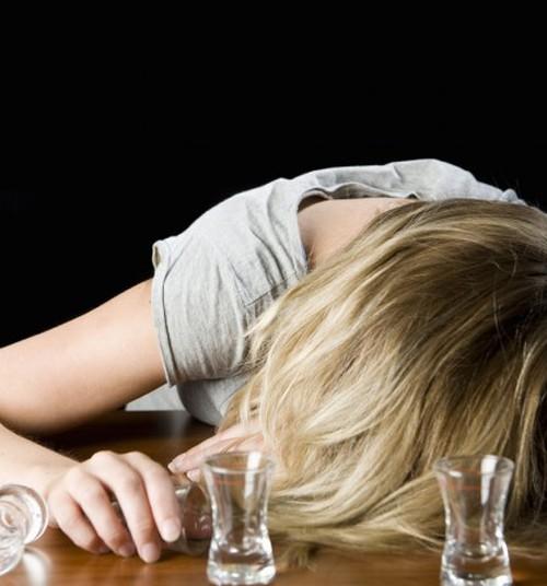 Отнимать ли детей у пьющих родителей?