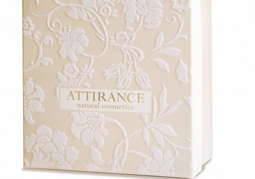 Выигрывай подарочные комплекты Attirance каждую неделю!