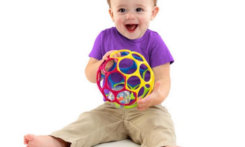 Развивающие игрушки Oball помогают совершенствовать мелкую моторику