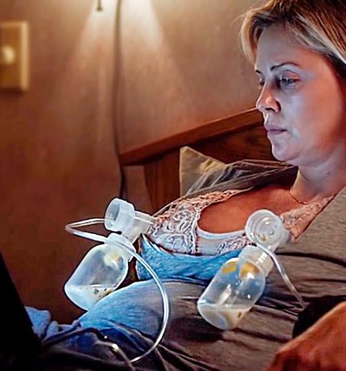 """Киноманы: """"Талли"""". Счастье материнства или деградация личности?"""