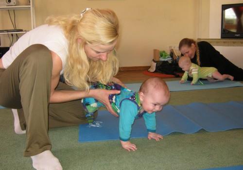 Гимнастика с малышом дома - интересно и полезно!