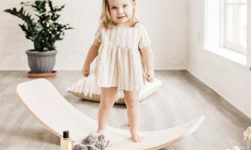КОНКУРС Huggies®: покажи первые шажочки малыша и выиграй балансборд и подгузники Huggies!