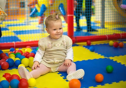 Развитие хватательных навыков в первый год жизни