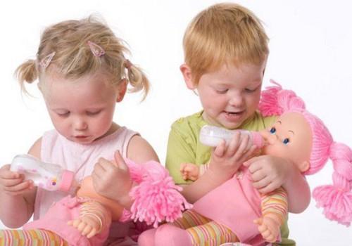 ДИСКУССИЯ: Мальчики играют с машинками, а девочки – с куклами?