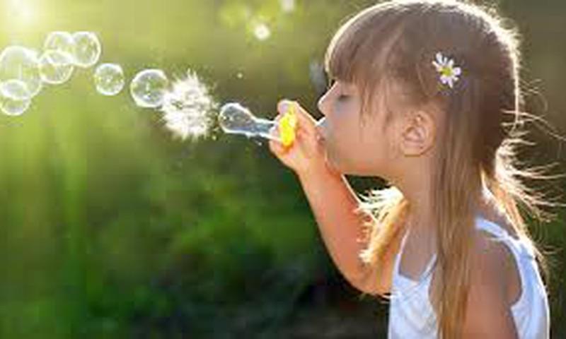 Анюта: Детство - это радость