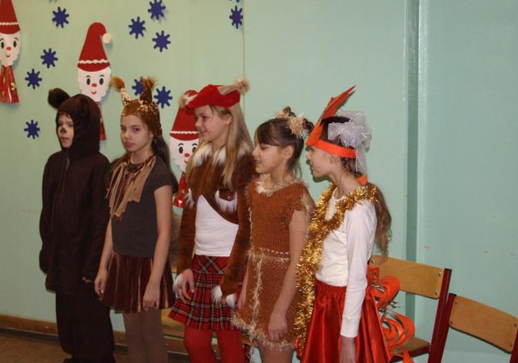 Новогодний костюм Белочки и вязаное платье