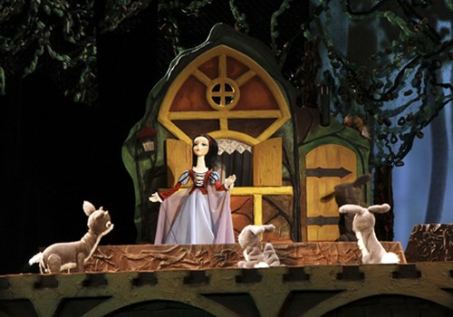 С октября спектакли Рижского Кукольного театра будут проходить также в Каминном зале Латвийского театра кукол