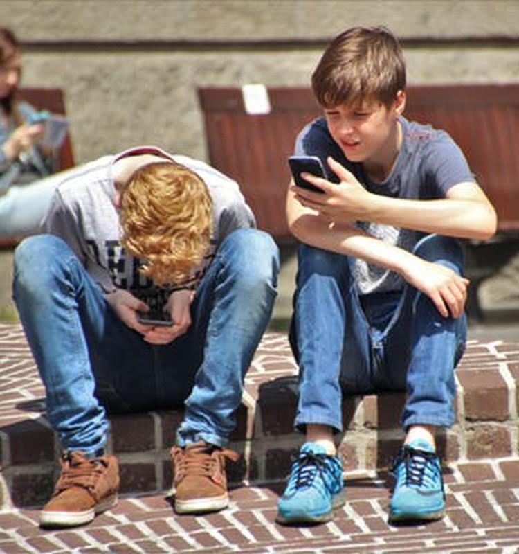 Как можно разумно присматривать за детьми в интернете?