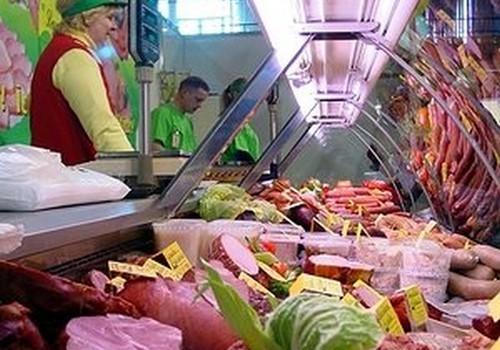 Почему детям нельзя копченое мясо и сосиски