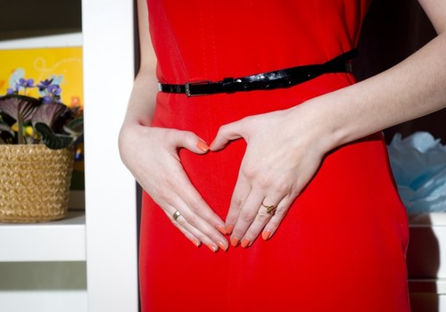 Как на первом триместре беременности меняется настроение будущей мамочки