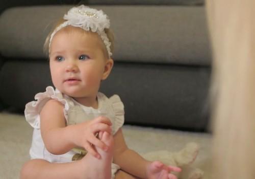 ВИДЕО: путеводитель по развитию малыша на двенадцатом месяце жизни