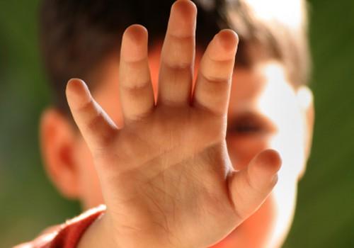 Детский язык находится в кончиках пальцев