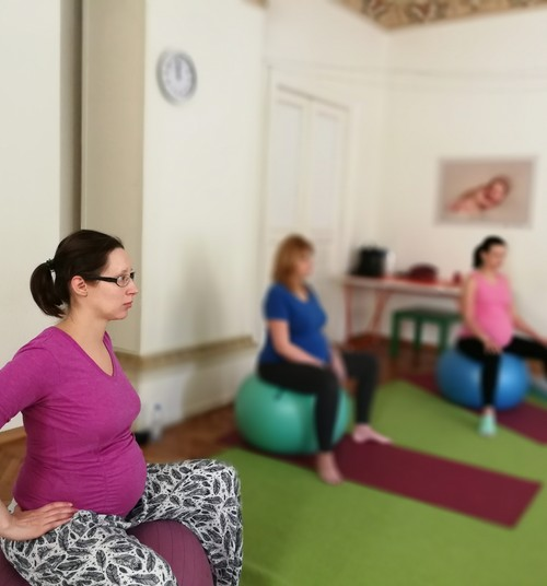 Ура! Запись на йогу для беременных снова открыта!