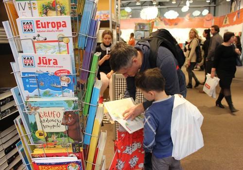 ЭКСПРЕСС-ИГРА: Напишите, чем дети могут заняться с папой и выиграйте!