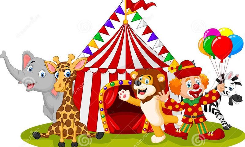 Цирк-шапито – яркие краски посреди хмурого дня