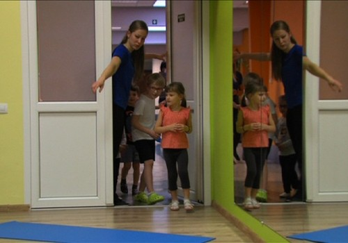 Лечебная гимнастика: зачем и почему ребёнку нужно заниматься