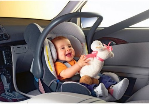 Получи скидку в -15% на детское автокресло Mercedes-Benz!
