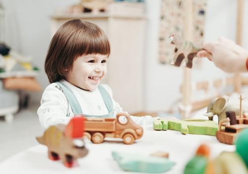 Чем заниматься с детьми во время самоизоляции? Пять полезных идей для родителей