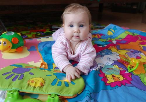 ДИСКУССИЯ: нужны ли ребёнку игрушки, которые говорят на иностранных языках?