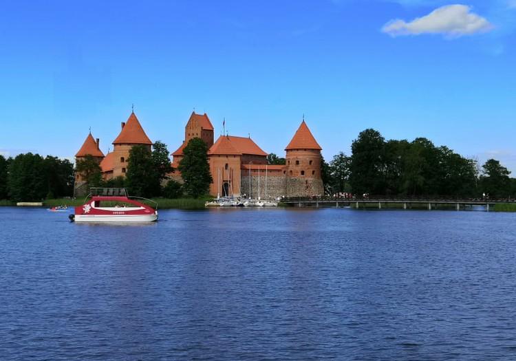 Гостеприимная Литва: Тракайский островной замок-музей