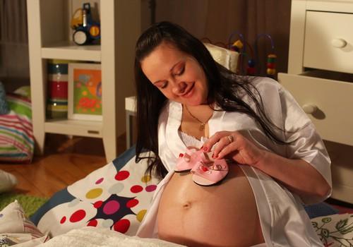 КОНКУРС КОММЕНТАРИЕВ: Какой Ты будешь мамой? Напиши и выиграй целую корзину подарков!