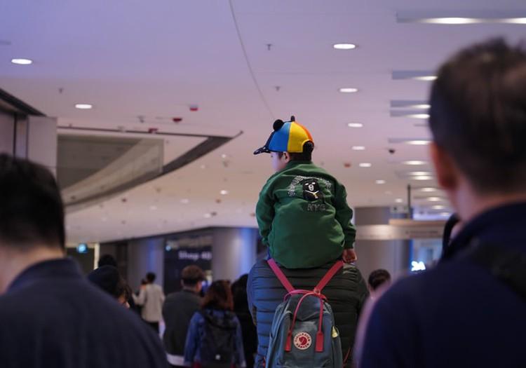 Тоддлер в самолёте: чем занять ребёнка в долгой поездке?