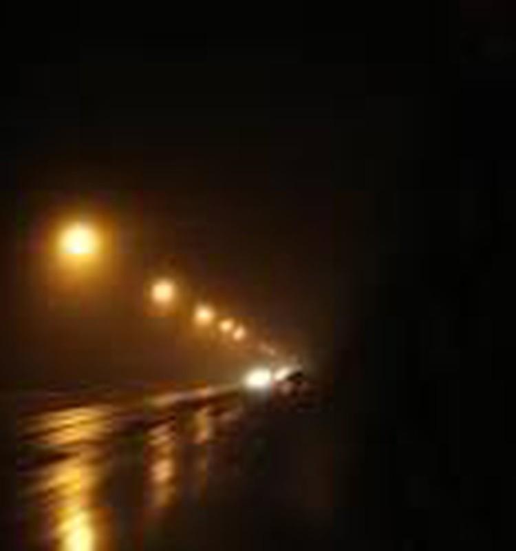 Безумная ночь с потоком машин ...