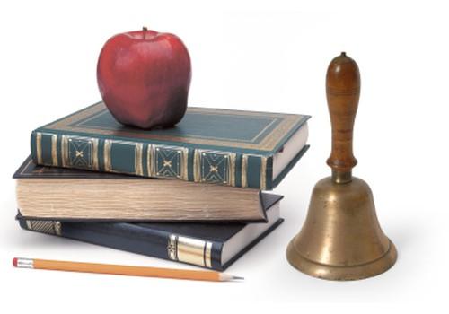 Ребёнок начинает учёбу в первом классе: что он развивает?