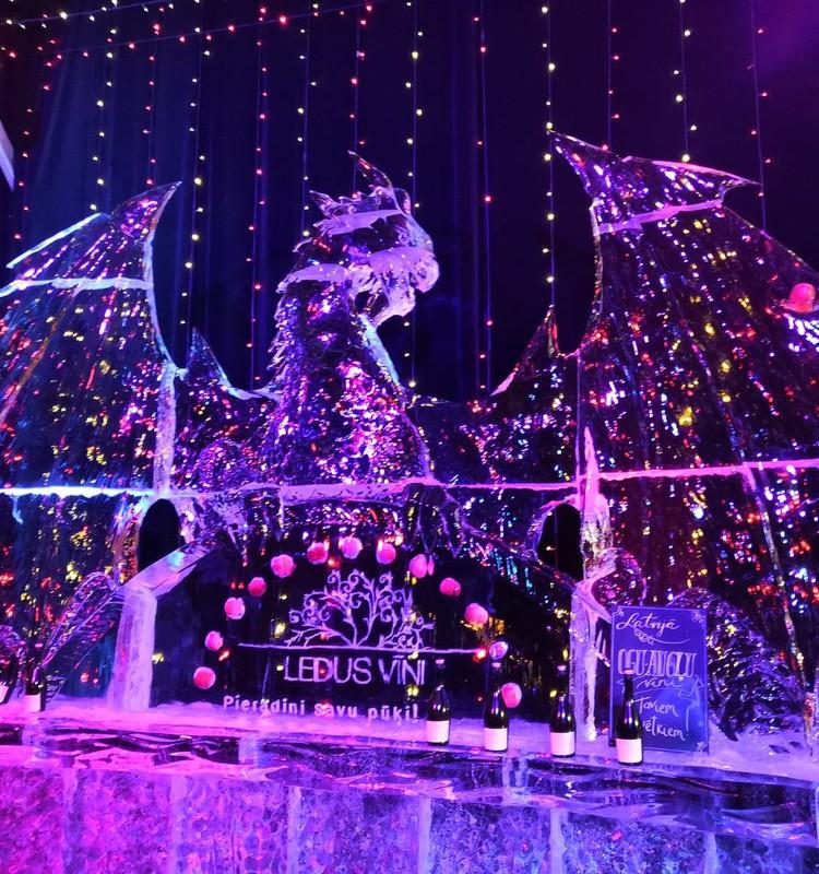Кристально завораживающая Елгава: фестиваль ледяных скульптур 2020