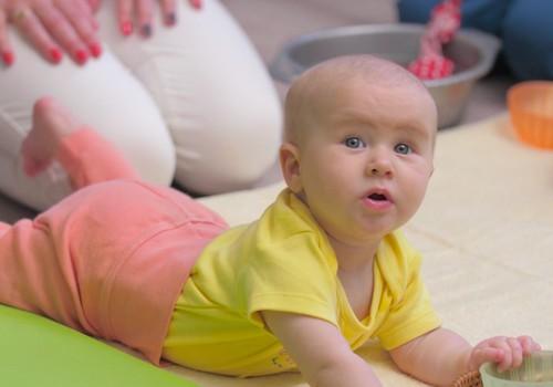 ВИДЕО: развитие малыша на пятом месяце жизни