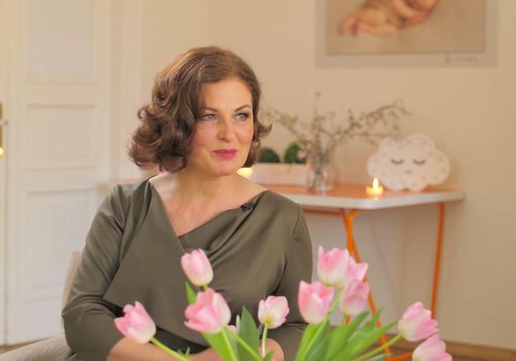 """Анонс передачи """"Мамин клуб"""" 10 мая: в Большом интервью - Аурелия Анужите-Лауциня!"""