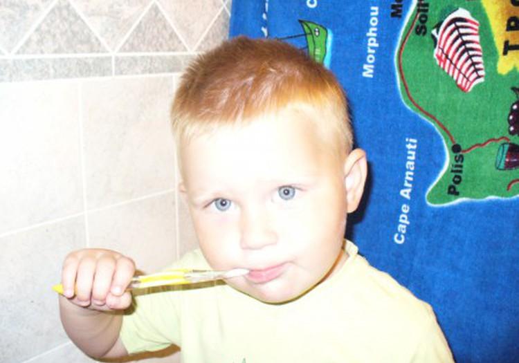 Чистим, чистим наши зубки!