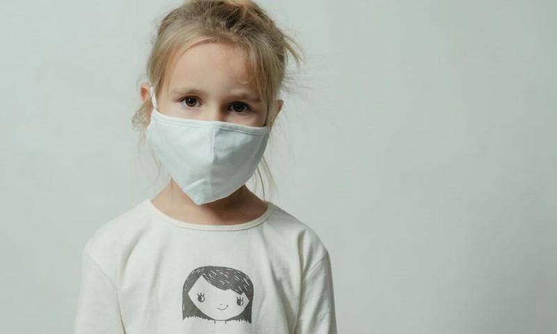 В Германии собрали данные о последствиях ношения масок детьми