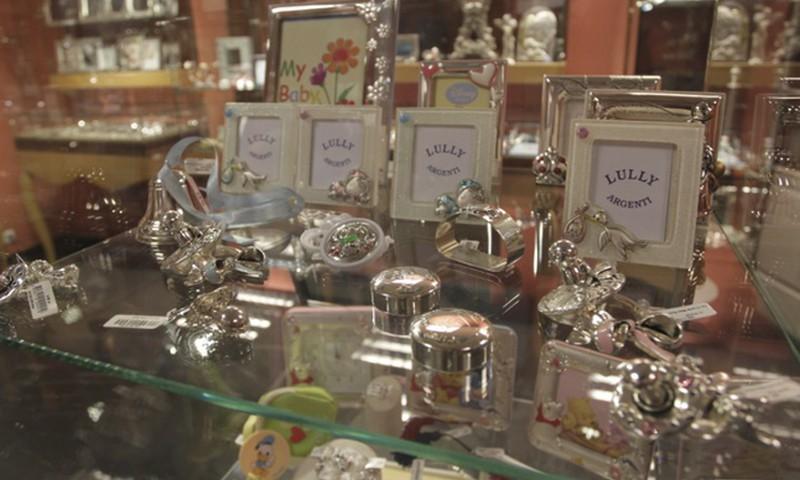 Серебро в подарок: на память и практического использования