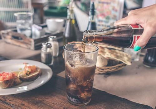 Мнение инфектолога: помогает ли кока-кола при кишечных вирусах? +9 признаков обезвоживания
