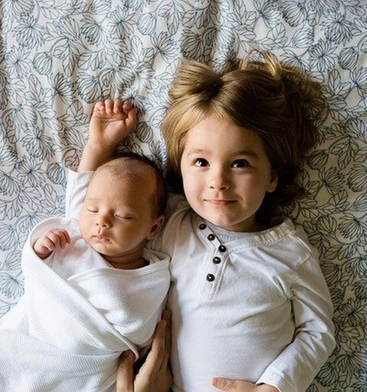 Брат и сестра: первый год вместе