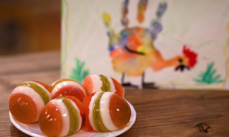 Пасхальные рецепты: удивите ребенка желейными яйцами!