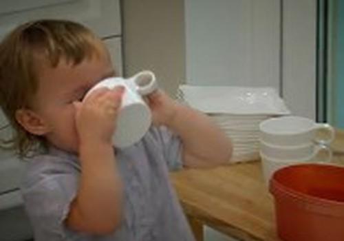 ВИДЕО: Береги ребёнка от ожогов на кухне