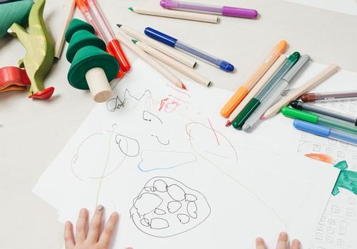 ВИДЕО: собираем всё необходимое для учебного года в школе и садике
