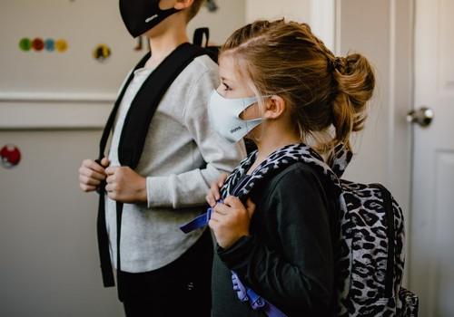 Новые меры по предотвращению Covid-19 в Латвии: что ждёт родителей?